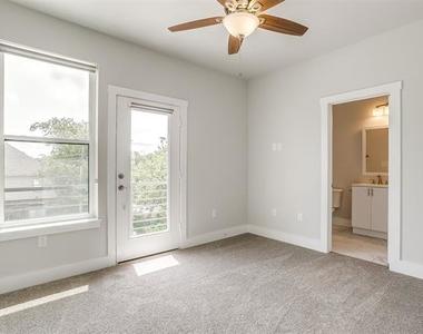 2305 Benbrook Boulevard - Photo Thumbnail 28