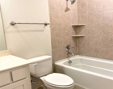 3908 Cresthill Drive - Photo Thumbnail 40