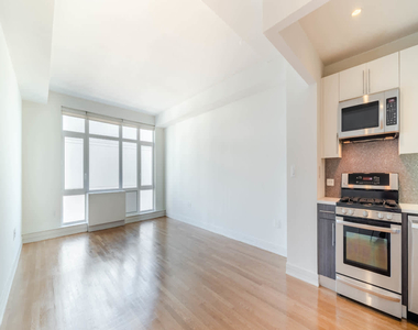 175 Kent Avenue - Photo Thumbnail 8