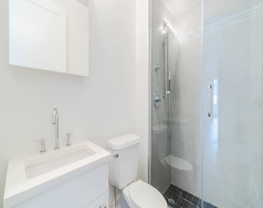 175 Kent Avenue - Photo Thumbnail 14