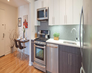 175 Kent Avenue - Photo Thumbnail 5