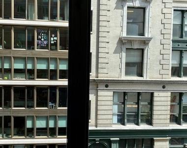 120 West 21st Street - Photo Thumbnail 3