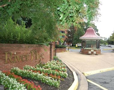 1021 Arlington Boulevard - Photo Thumbnail 16