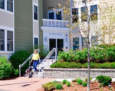90 New St. - Photo Thumbnail 8
