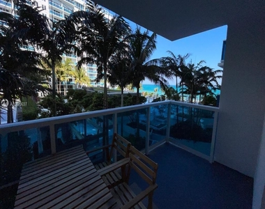 2301 Collins Ave - Photo Thumbnail 2