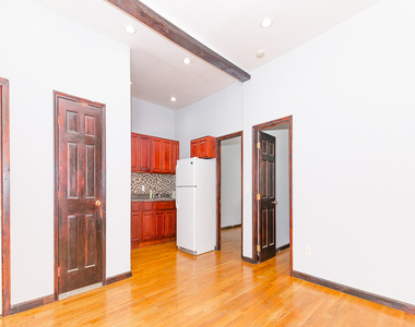 901 Willoughby Avenue - Photo Thumbnail 1