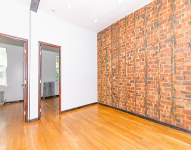 901 Willoughby Avenue - Photo Thumbnail 4