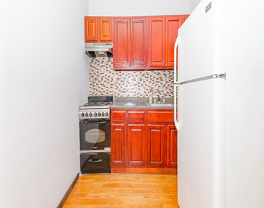 901 Willoughby Avenue - Photo Thumbnail 3