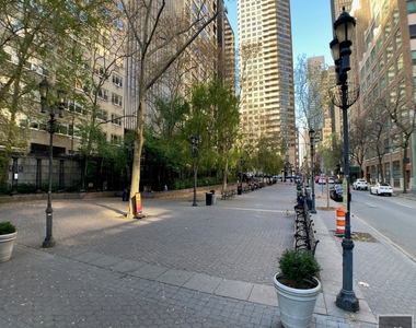 East 47th Street - Photo Thumbnail 5