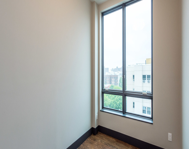 875 Dekalb Avenue - Photo Thumbnail 10