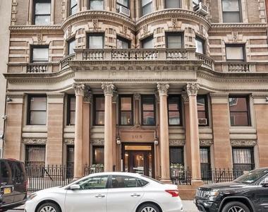 105 East 15th Street - Photo Thumbnail 3