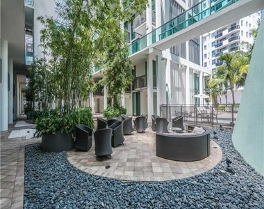6000 Collins Ave - Photo Thumbnail 44
