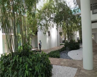6000 Collins Ave - Photo Thumbnail 9