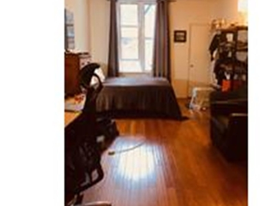 427 East 80th Street - Photo Thumbnail 1
