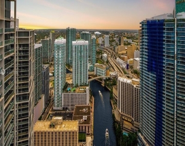 465 Brickell Ave 26 - Photo Thumbnail 12