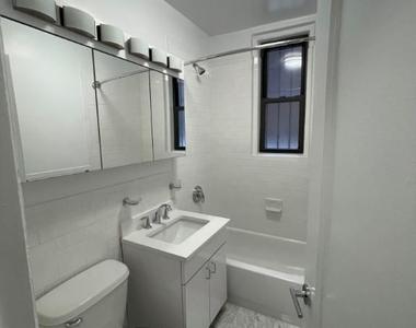 East 46th Street - Photo Thumbnail 4