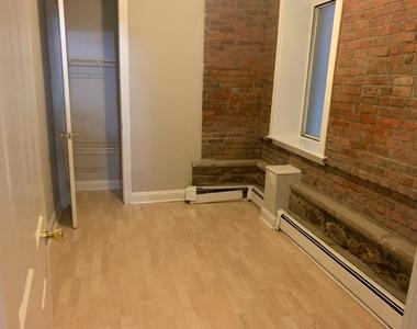 210 East 25th Street - Photo Thumbnail 3