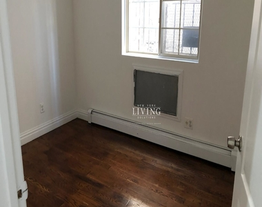 328a Irving Ave - Photo Thumbnail 4