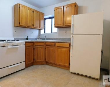 1071 Jefferson Avenue - Photo Thumbnail 2