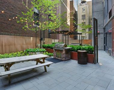 111 Lawrence Street - Photo Thumbnail 32