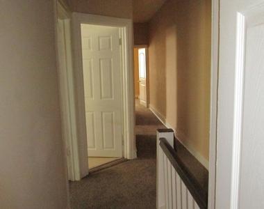 5701 Hadfield Street - Photo Thumbnail 29