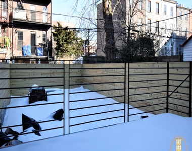 37 Irving Place - Photo Thumbnail 2