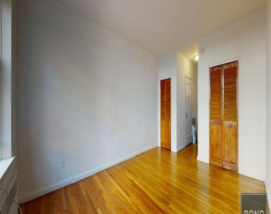 324 East 83rd Street - Photo Thumbnail 1