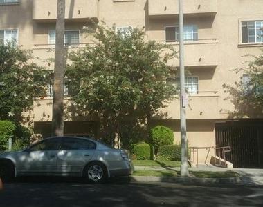 1720 Taft Ave - Photo Thumbnail 8