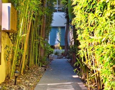 743 Vernon Ave Apt B - Photo Thumbnail 10