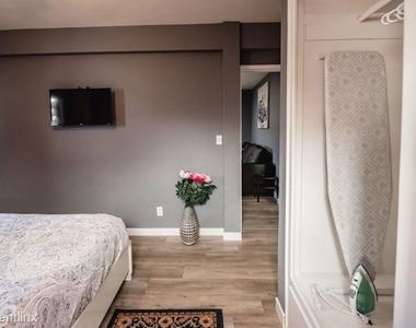 5147 Riverton Ave 2 - Photo Thumbnail 11