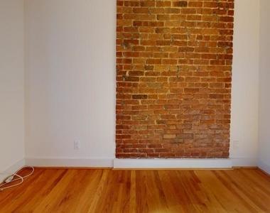East 97th Street - Photo Thumbnail 3