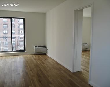 East 89th Street - Photo Thumbnail 4