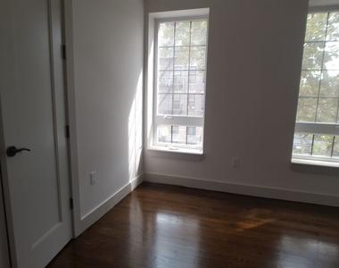 489 Chauncey Street - Photo Thumbnail 3