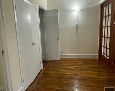 Waverly Place - Photo Thumbnail 1