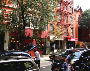 6 Clinton Street - Photo Thumbnail 2