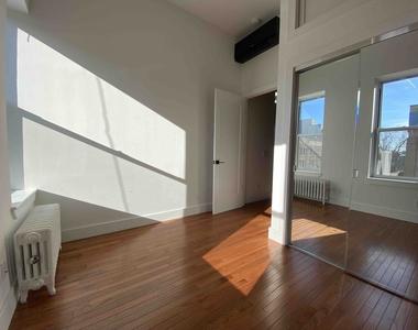 877 Wyckoff Avenue - Photo Thumbnail 7
