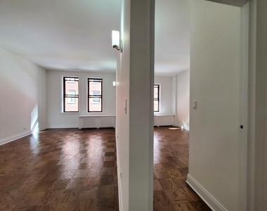 235 West 22nd Street - Photo Thumbnail 1