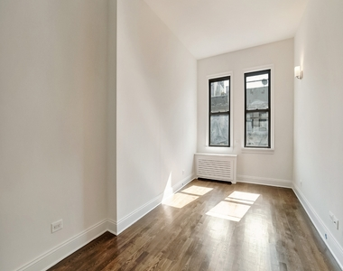 235 West 22nd Street - Photo Thumbnail 1