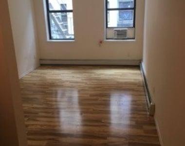 524 West 50th Street - Photo Thumbnail 4