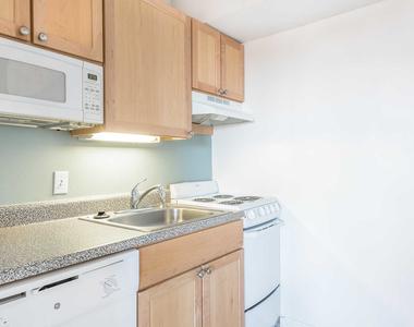 929 Massachusetts Avenue - Photo Thumbnail 5