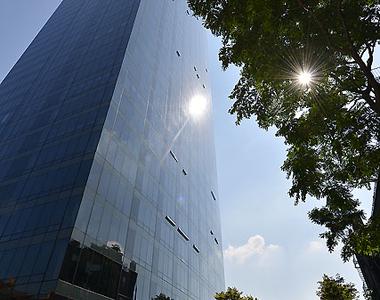 525 East 72nd Street - Photo Thumbnail 18