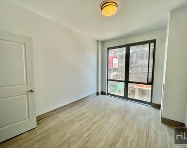 110 4 Avenue - Photo Thumbnail 3