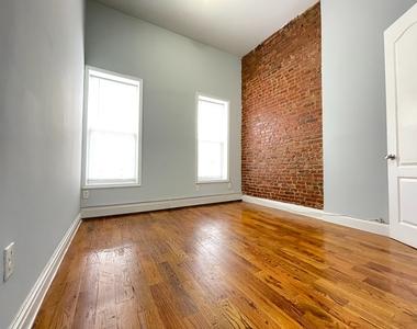 402 Chauncey Street - Photo Thumbnail 2