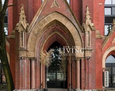 Bushwick Avenue - Photo Thumbnail 3