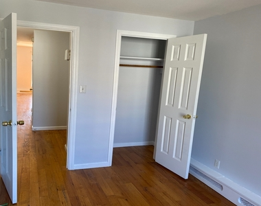 789A Willoughby Avenue - Photo Thumbnail 8