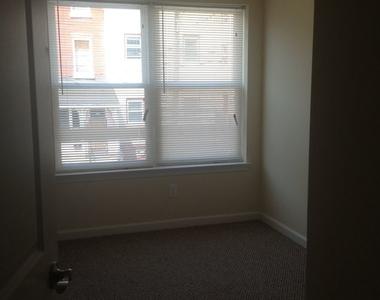 415 N 41st Street - Unit B - Photo Thumbnail 13