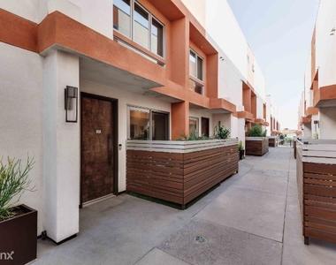 1015 Figueroa Ter 21 - Photo Thumbnail 40