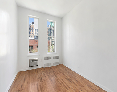 320 West 22nd Street - Photo Thumbnail 0