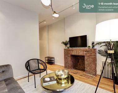 306 East 83rd Street - Photo Thumbnail 3