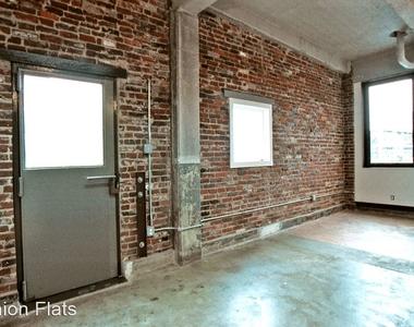 144 W Laurel St - Photo Thumbnail 5